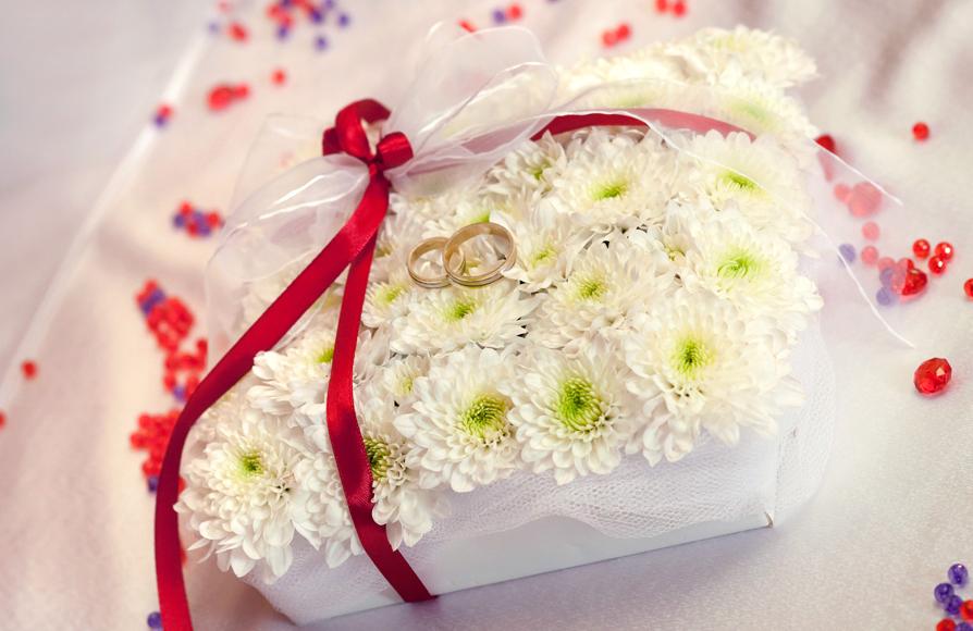 Украса от цветя за пръстени.